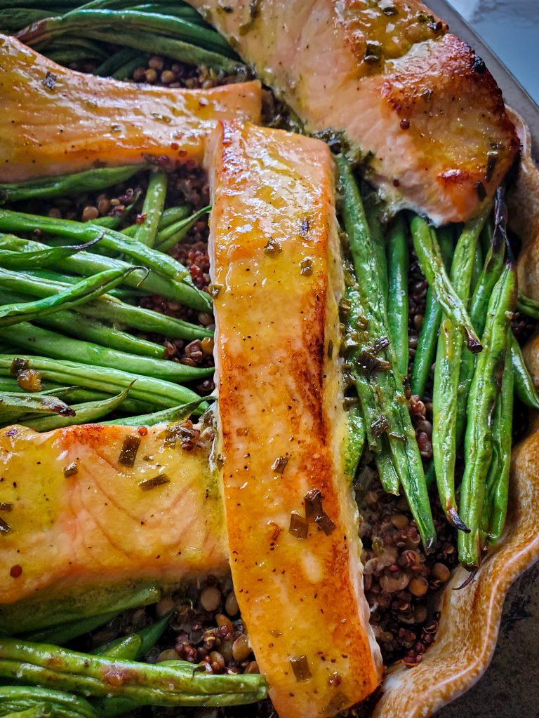 image of baked salmon and lentils